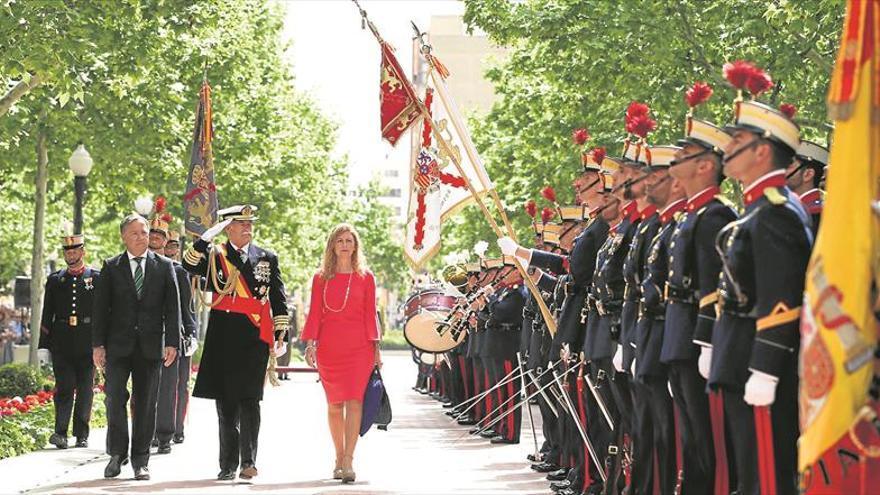 La Guardia Real se da un baño de masas en el Ribalta como guinda a su visita a Castellón
