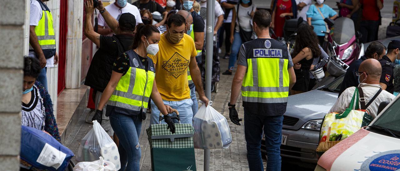 Colas del hambre en Alicante en septiembre de 2020