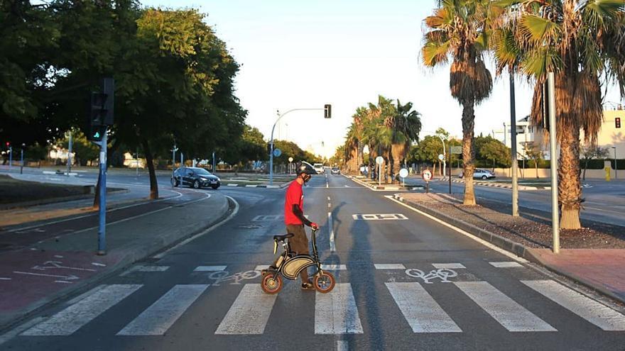 Alicante-Playa San Juan: conexión imposible para patinetes al no poder ir por grandes vías