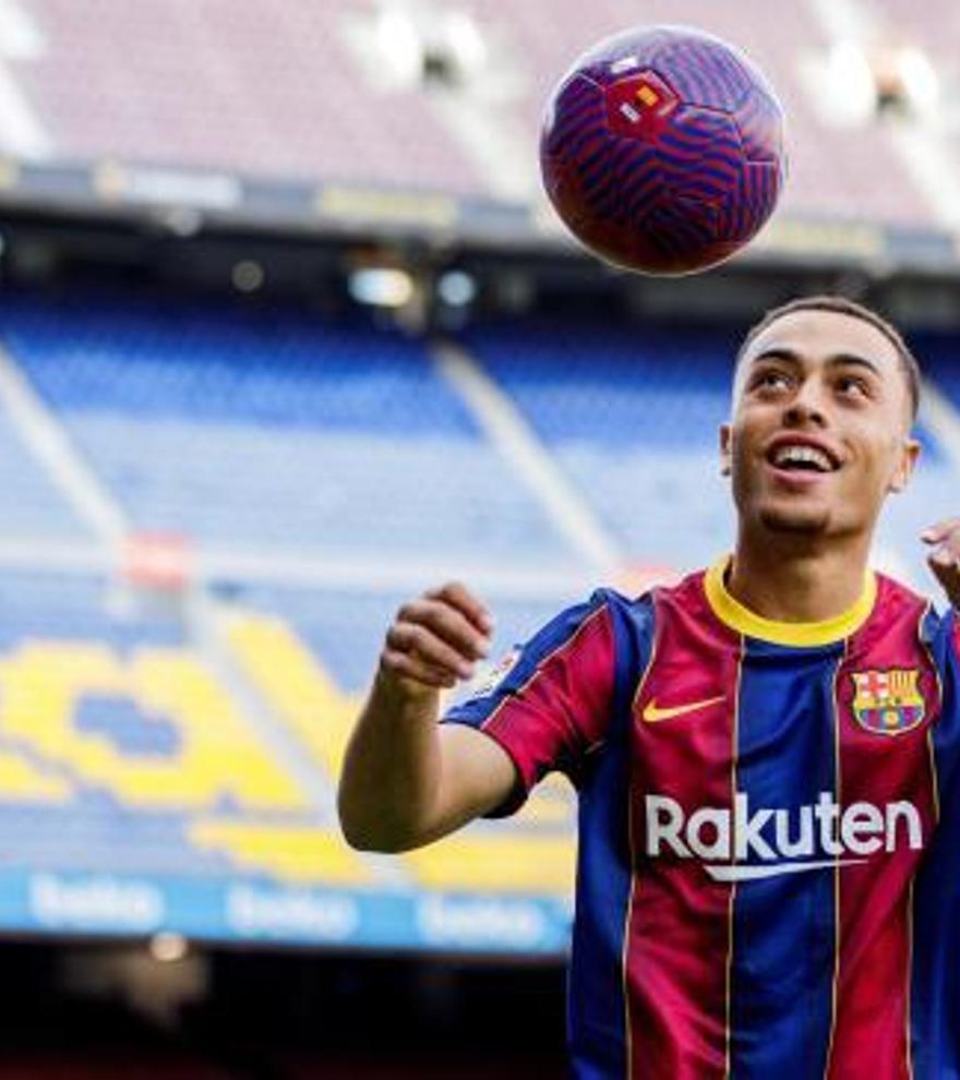 El Barcelona confirma el fichaje de Sergiño Dest