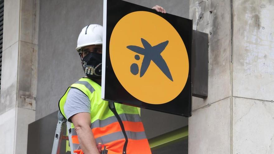 CaixaBank planteja un ERO que afecta gairebé 8.300 treballadors