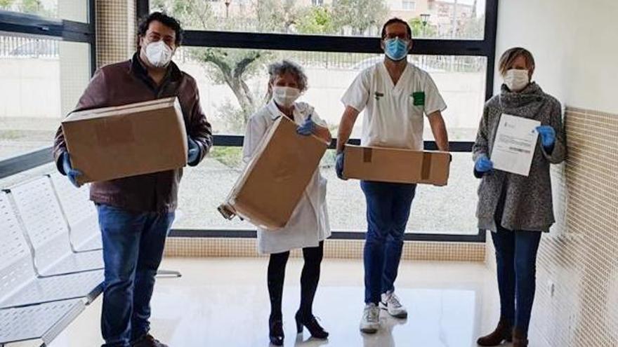 La Comisión de Fiestas de Ibi y sus comparsas donan material sanitario a centros de Ibi, Elda y Alcoy