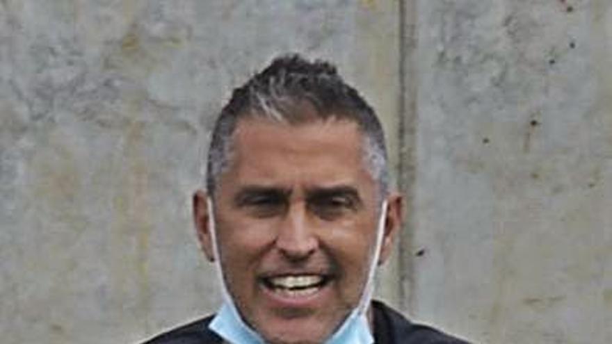 Pachi Castellano releva a Chus Trujillo en el Tamaraceite