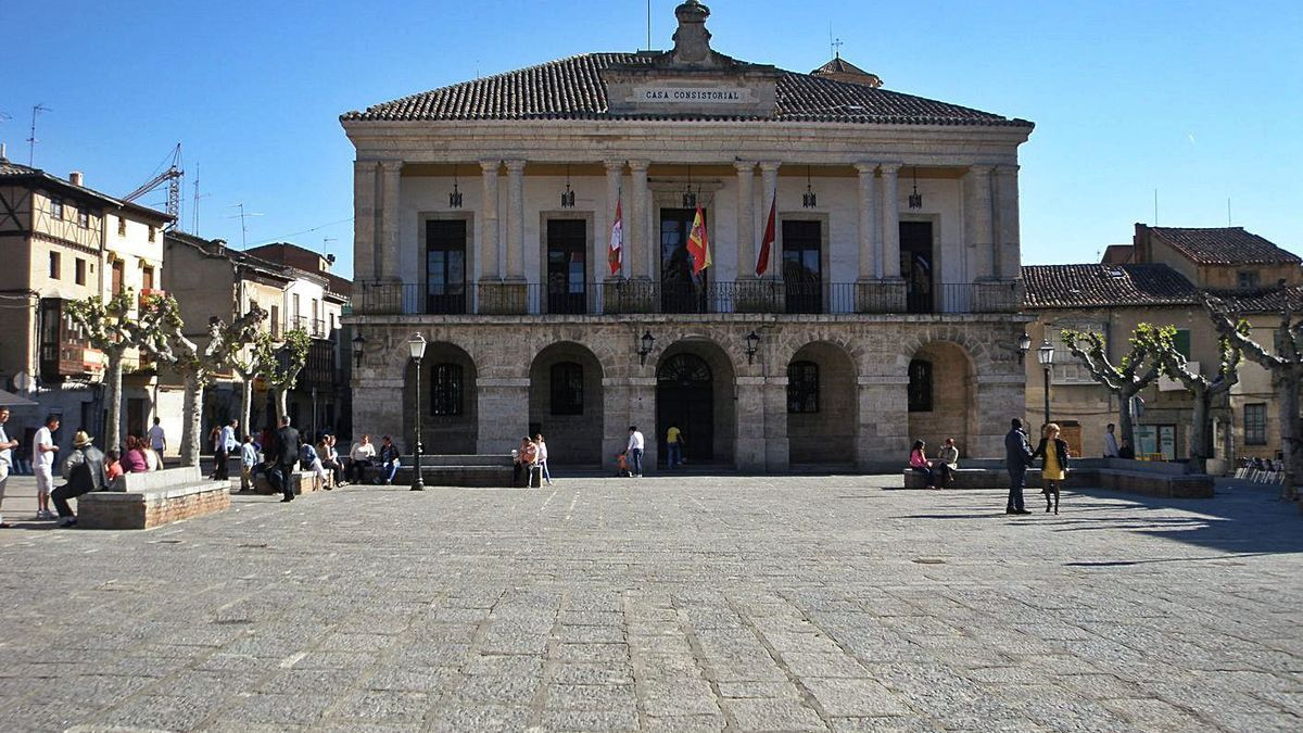 Fachada del Ayuntamiento de Toro en una imagen de archivo