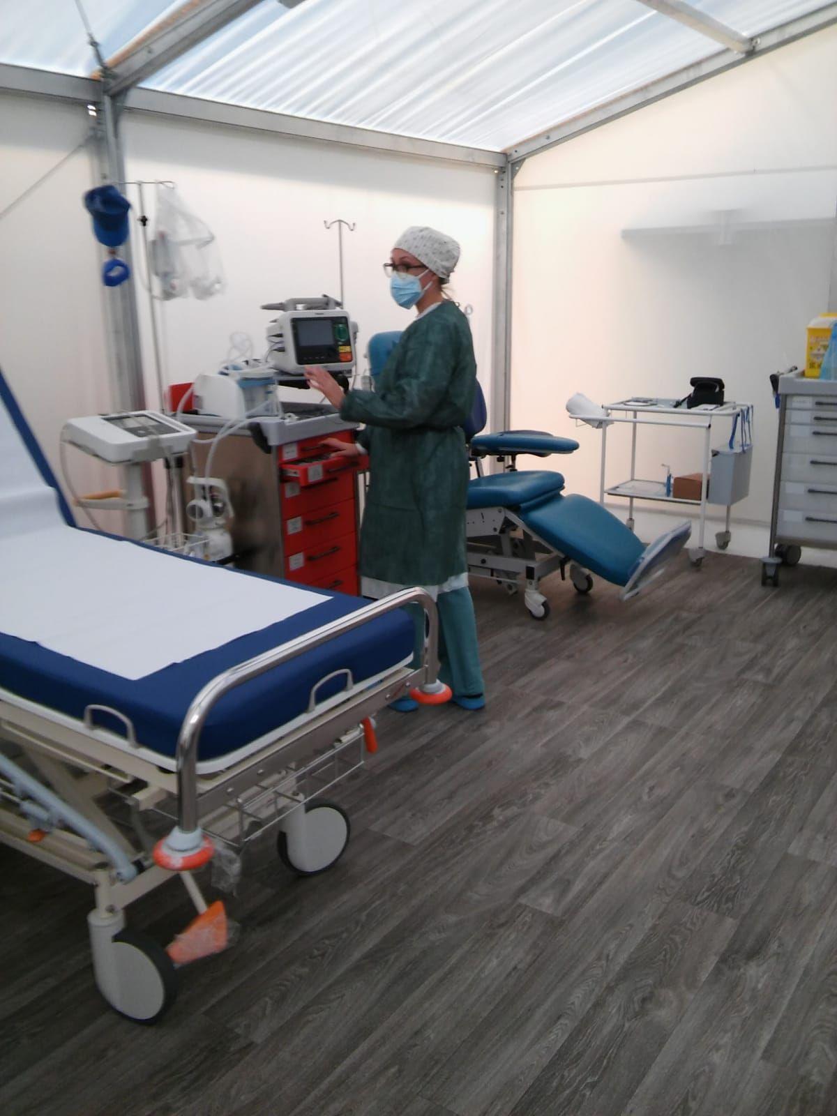 Llegan los primeros pacientes con covid-19 al Hospital de Campaña de Alicante