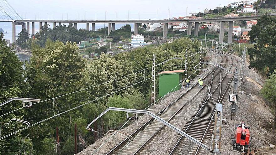 Adif anuncia la ocupación de 7.500 m2 en Redondela para renovar la vía de Guixar