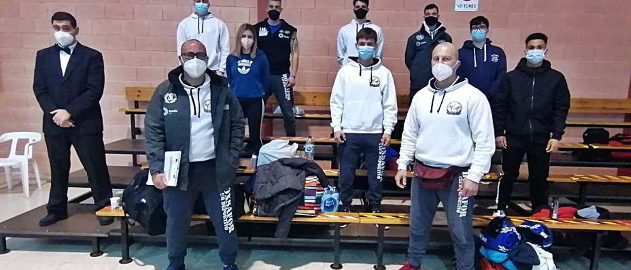Técnicos y deportistas del BoxSafor en el autonómico. | LEVANTE-EMV