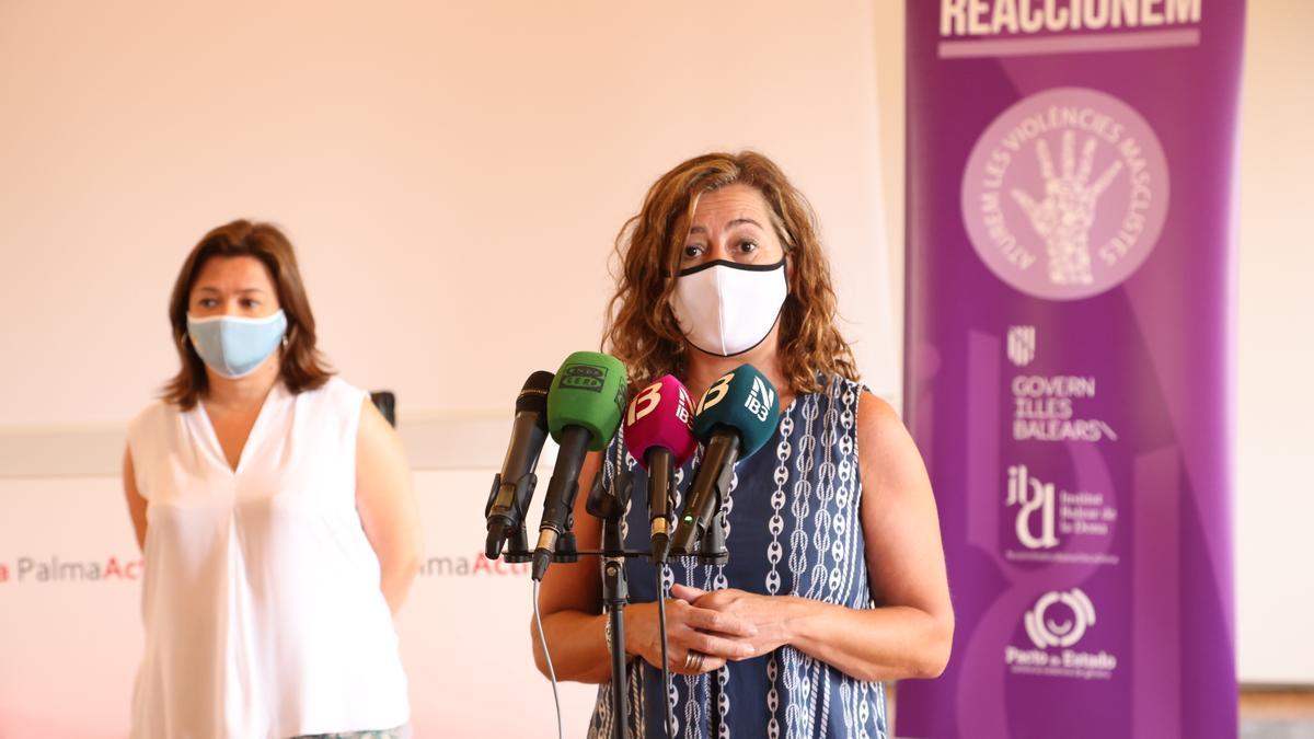 La presidenta del Govern, Francina Armengol, durante el acto de conmemoración