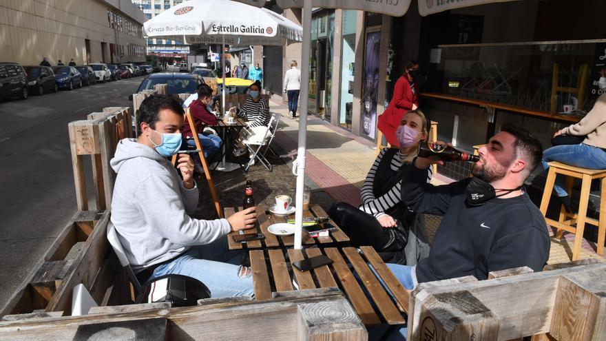 A Coruña permitirá instalar terrazas en plazas de aparcamiento a toda la hostelería