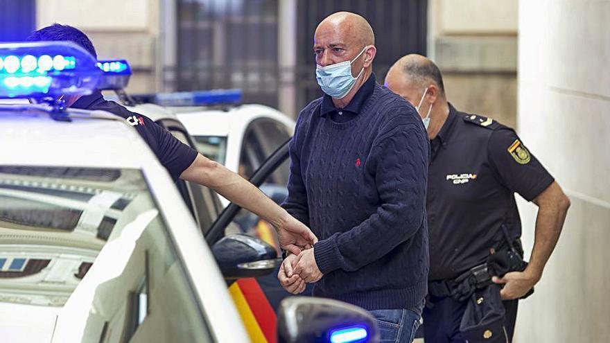 Cinco años de prisión por acuchillar a un joven en un bar de l'Alfàs del Pi