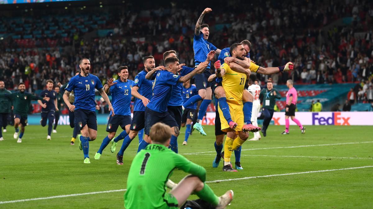 Imagen de la final de la Eurocopa, entre Italia e Inglaterra, con triunfo de la Azzurra.
