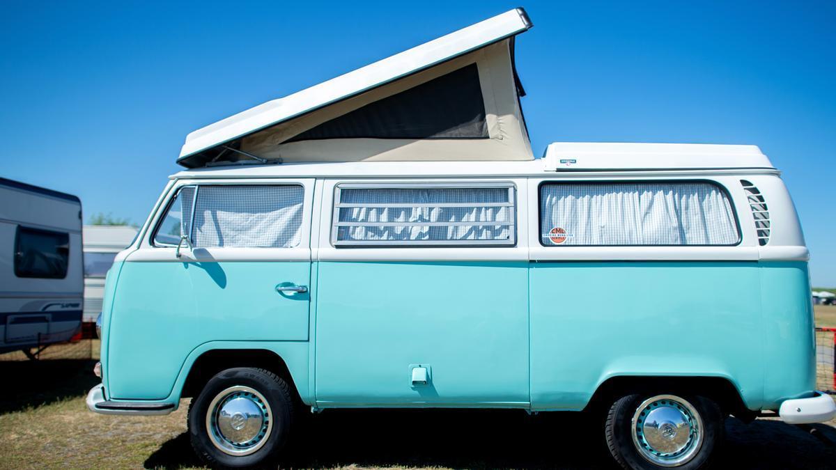 Der Klassiker unter den Campern: Ein Volkswagen T2 auf einem Archivbild.