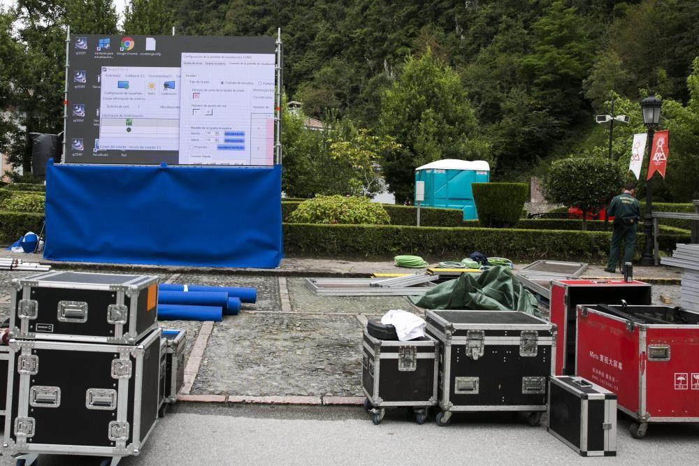 Preparativos en Covadonga para la visita real y los actos de los aniversarios