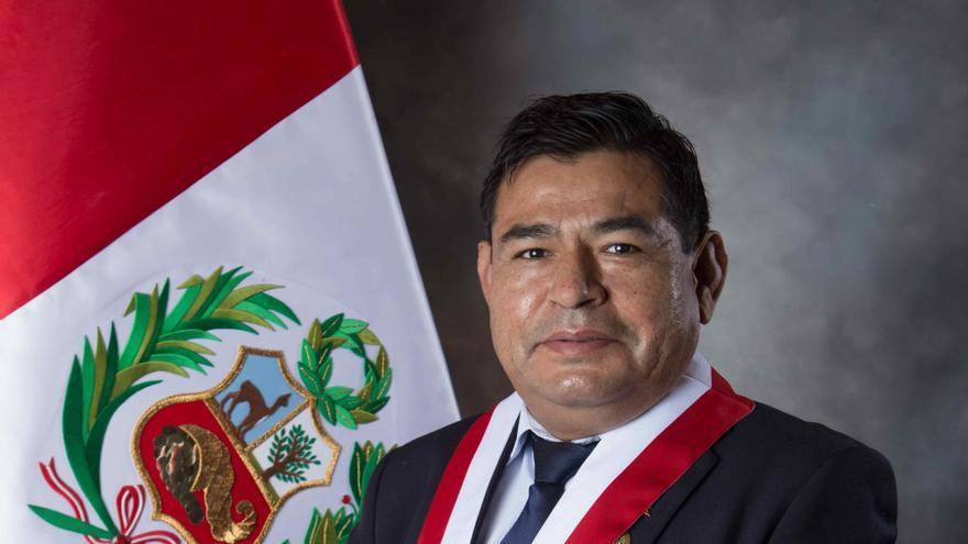 Fallece un congresista peruano durante el debate de la votación para investir al Gobierno