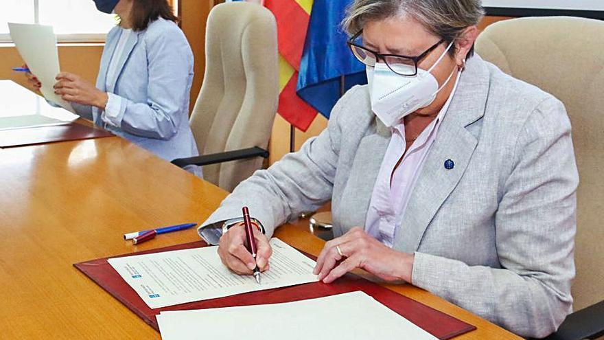 La Xunta sella en el Intecmar el acuerdo para impulsar la investigación ambiental