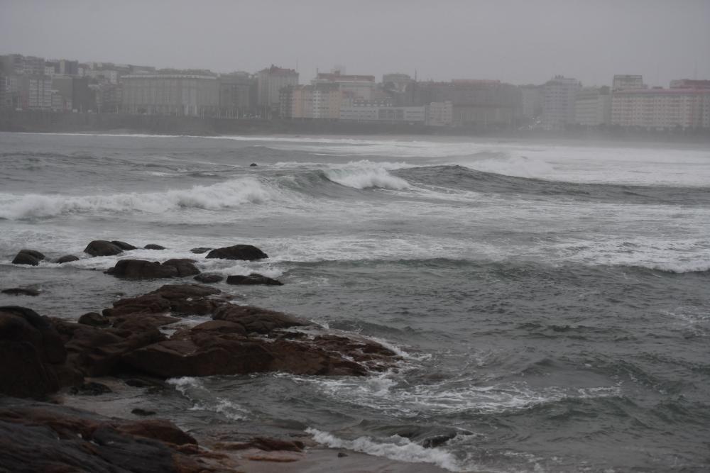 Parques y playas cerrados por temporal en A Coruña