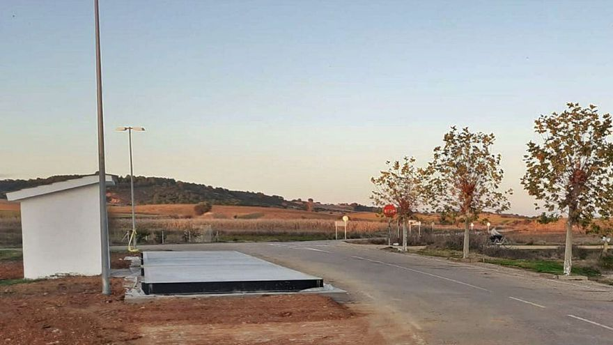 Finalizada la nueva báscula de pesaje de vehículos de Friera de Valverde