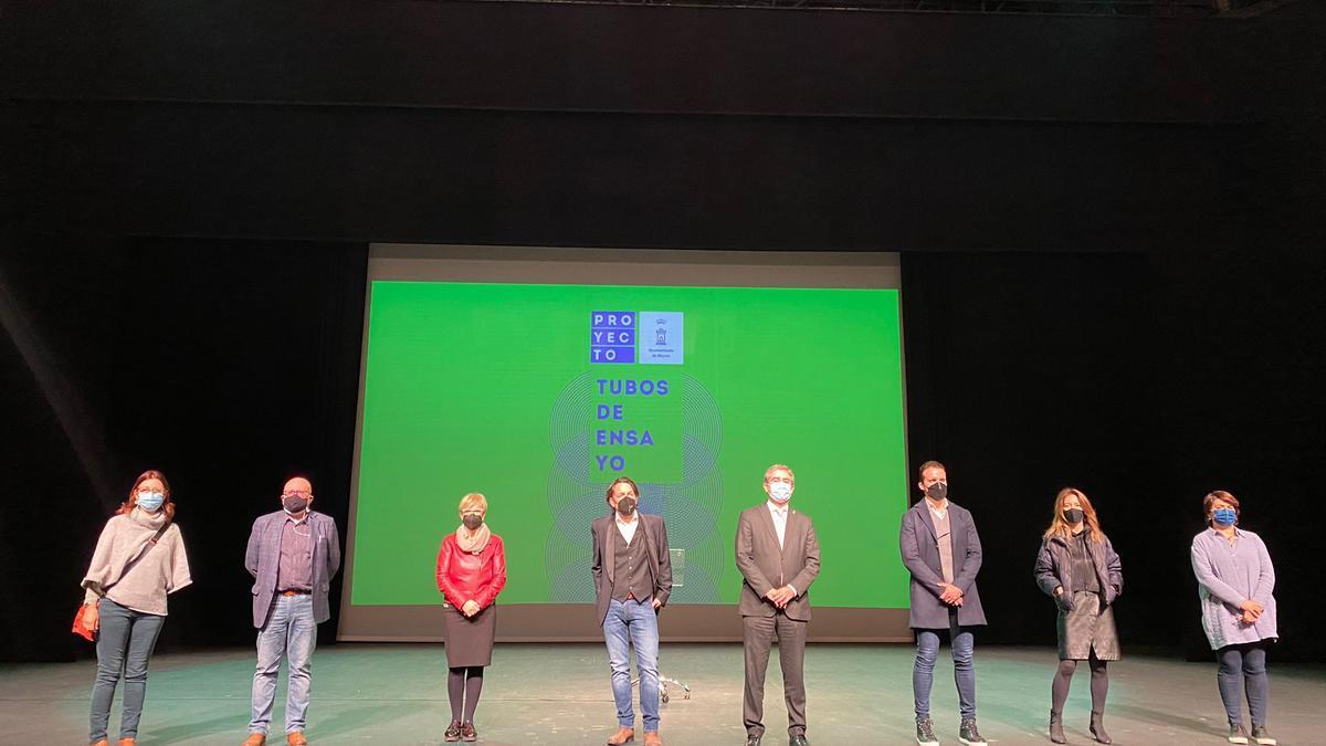 El programa 'Tubos de ensayo' fue presentado ayer en el Teatro Circo de Murcia.