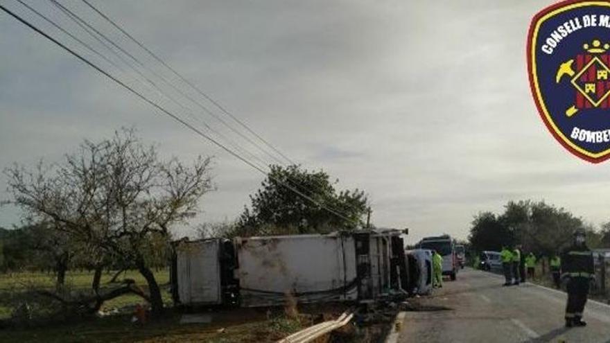 Lkw-Fahrer kommt bei Verkehrsunfall zu Tode