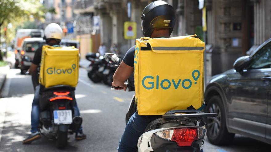 Glovo, Deliveroo y UberEats ensayan tres nuevos modelos para resignarse a la 'ley Rider'