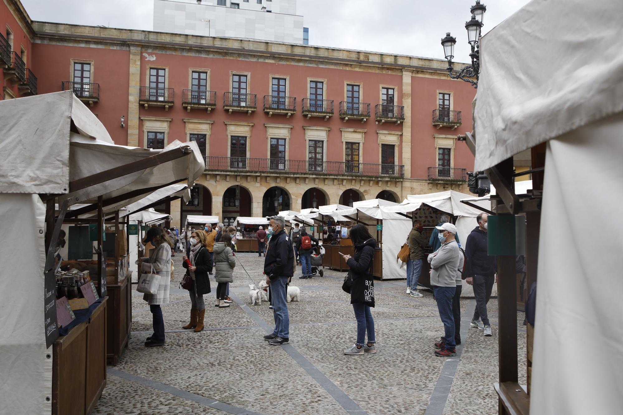 mercado artesano. Gijón Ángel González.jpg