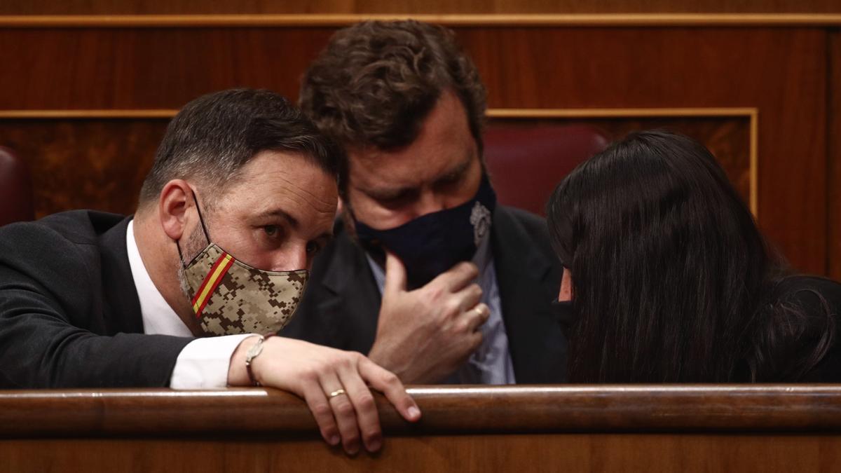 El líder de Vox, Santiago Abascal y el portavoz parlamentario de Vox, Iván Espinosa de los Monteros.