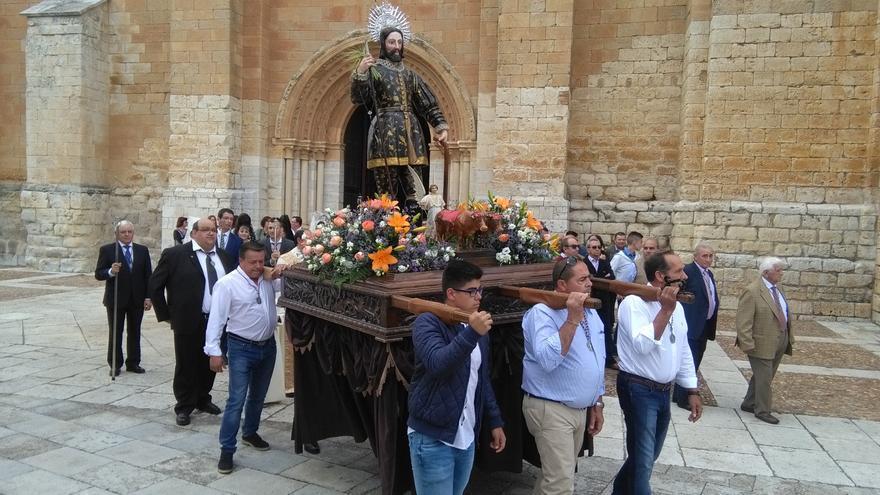Toro celebra la fiesta de San Isidro con una misa en el Santo Sepulcro