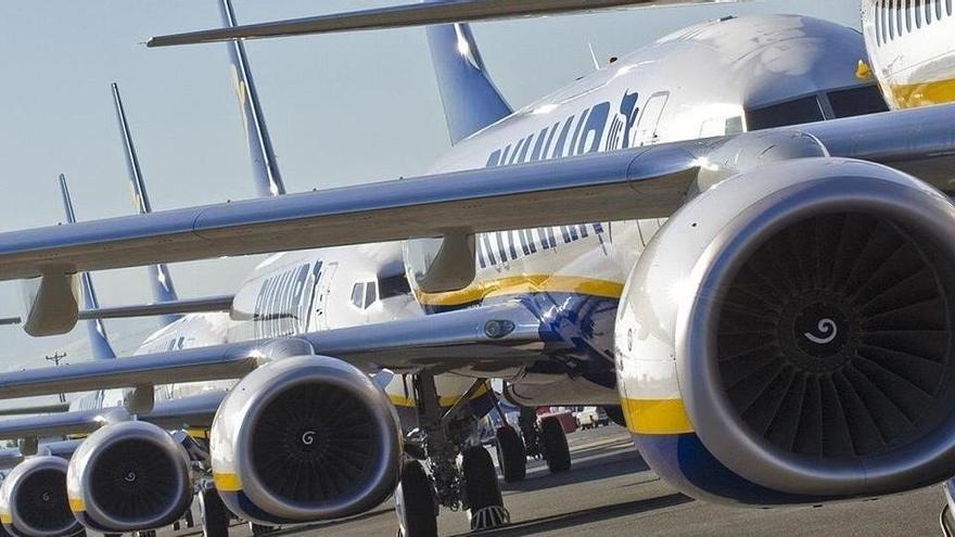 Los pilotos de Ryanair aceptan un recorte del 20% para evitar despidos durante cuatro años