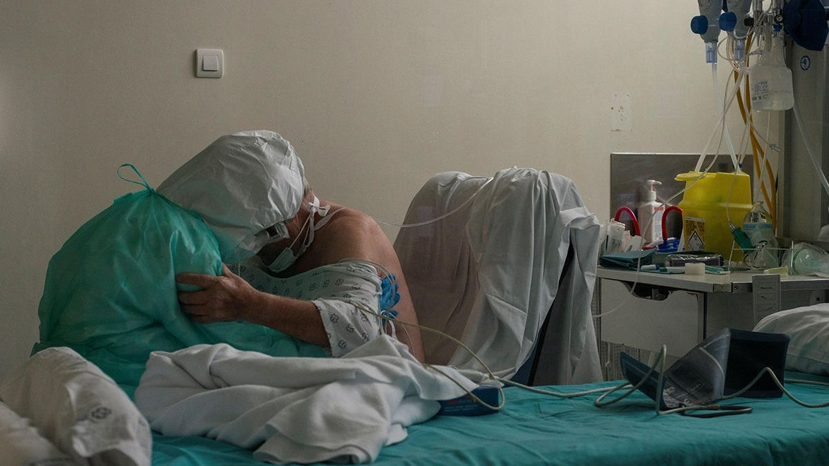 Una muerte más en Galicia y registros en descenso en cuanto a la presión hospitalaria.