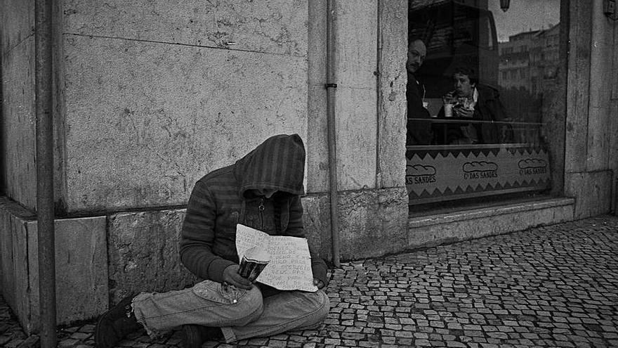 """""""Pobreza na rúa"""", una foto premiada de Brais Lorenzo"""