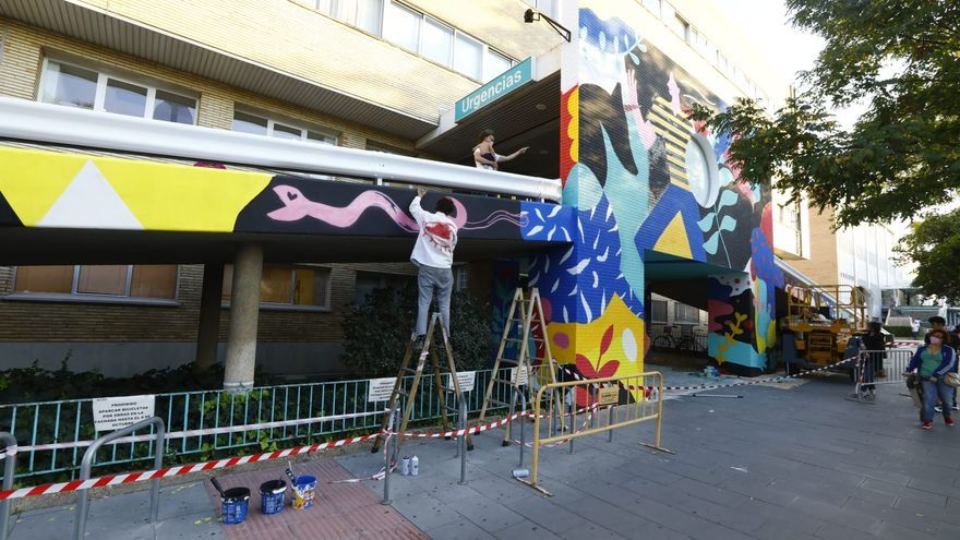 El Hospital Materno Infantil renueva su fachada con una intervención artística de Believe in Art