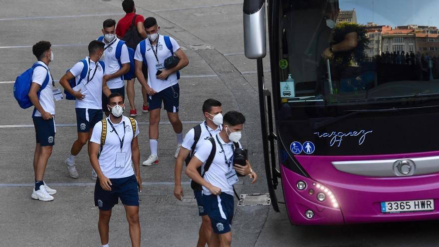 Los jugadores del Fuenlabrada, en A Coruña