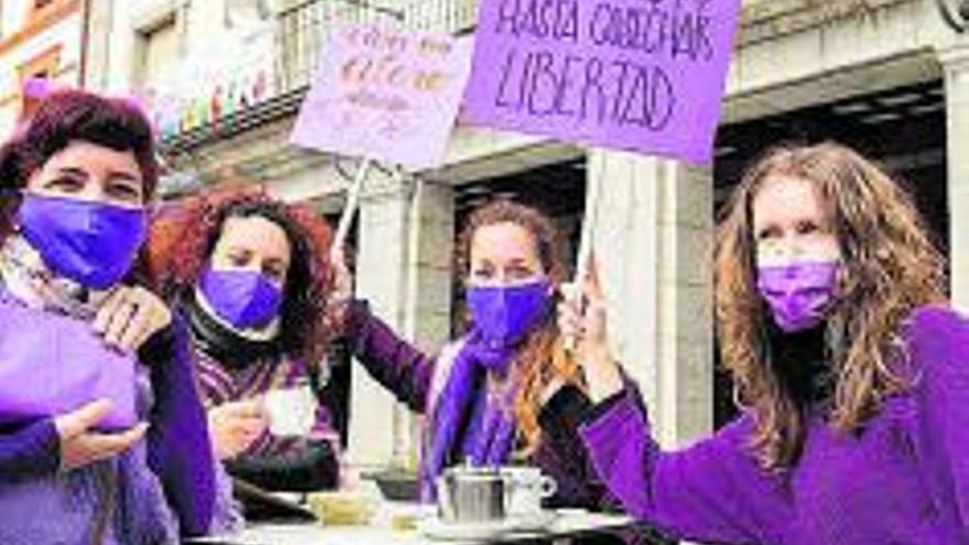 Mujeres sin derechos