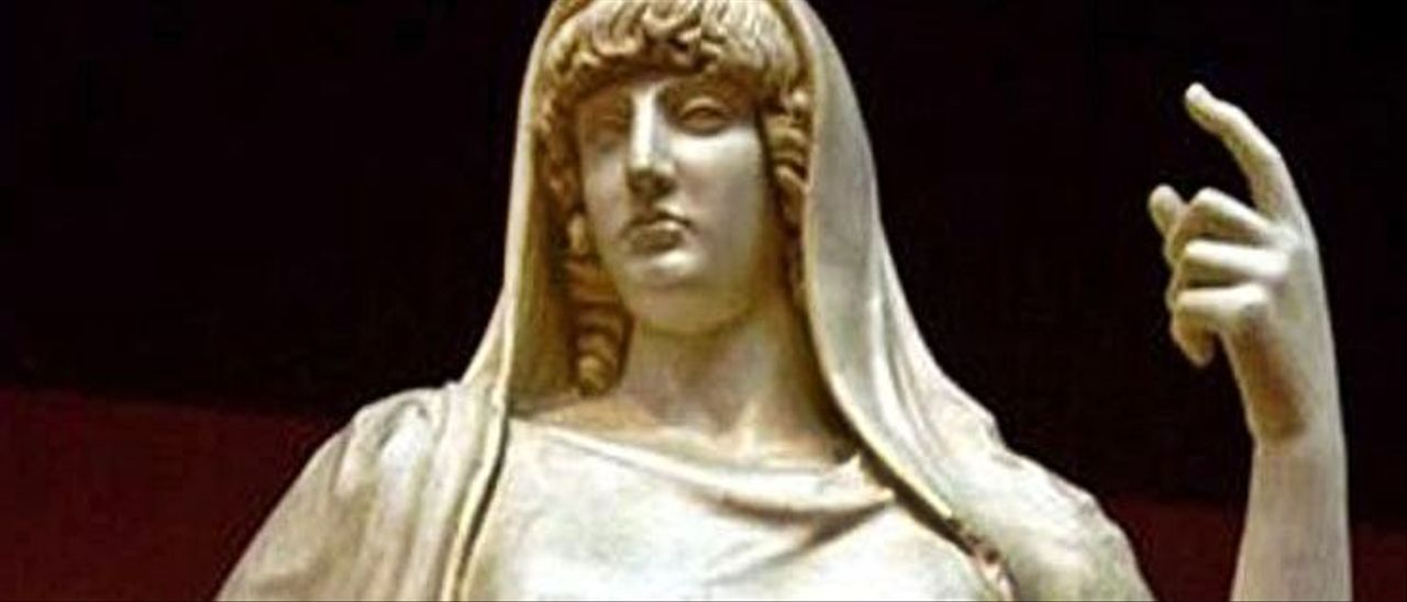 Tánatos, escultura del templo de Artemisa de Éfeso. Museo Británico
