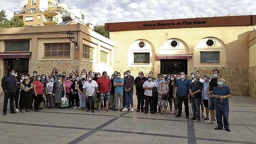 Vendedores ambulantes de Pere Garau piden cortar calles para poner paradas