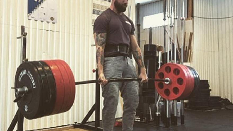 Men'sHealth: los mejores ejercicios de CrossFit para ganar masa muscular
