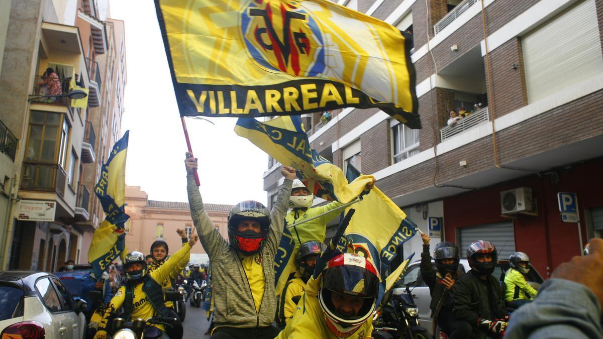 GALERÍA DE FOTOS   Así han recibido al equipo en los aledaños del estadio