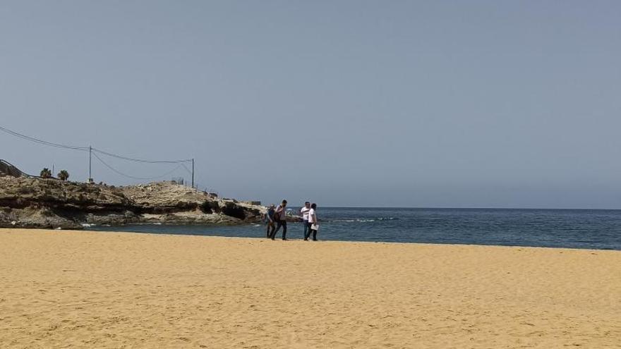 La playa de Tauro vuelve al Estado pero continuará cerrada al público