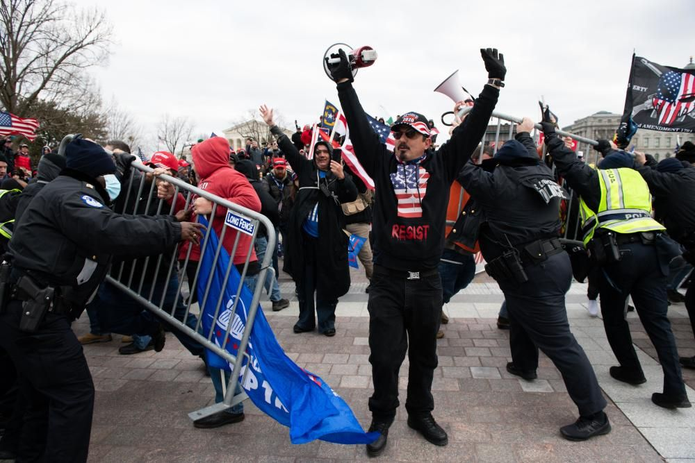 Los seguidores de Trump asaltan el Capitolio