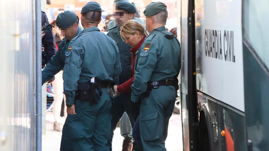Prisión para 11 de los 27 detenidos por la trama de bodas de conveniencia