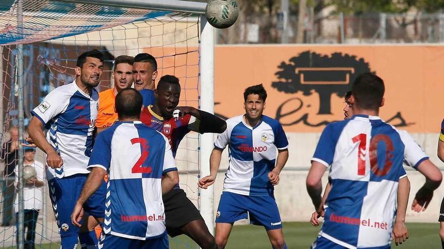 El Eldense cae 0-5 ante el Sabadell