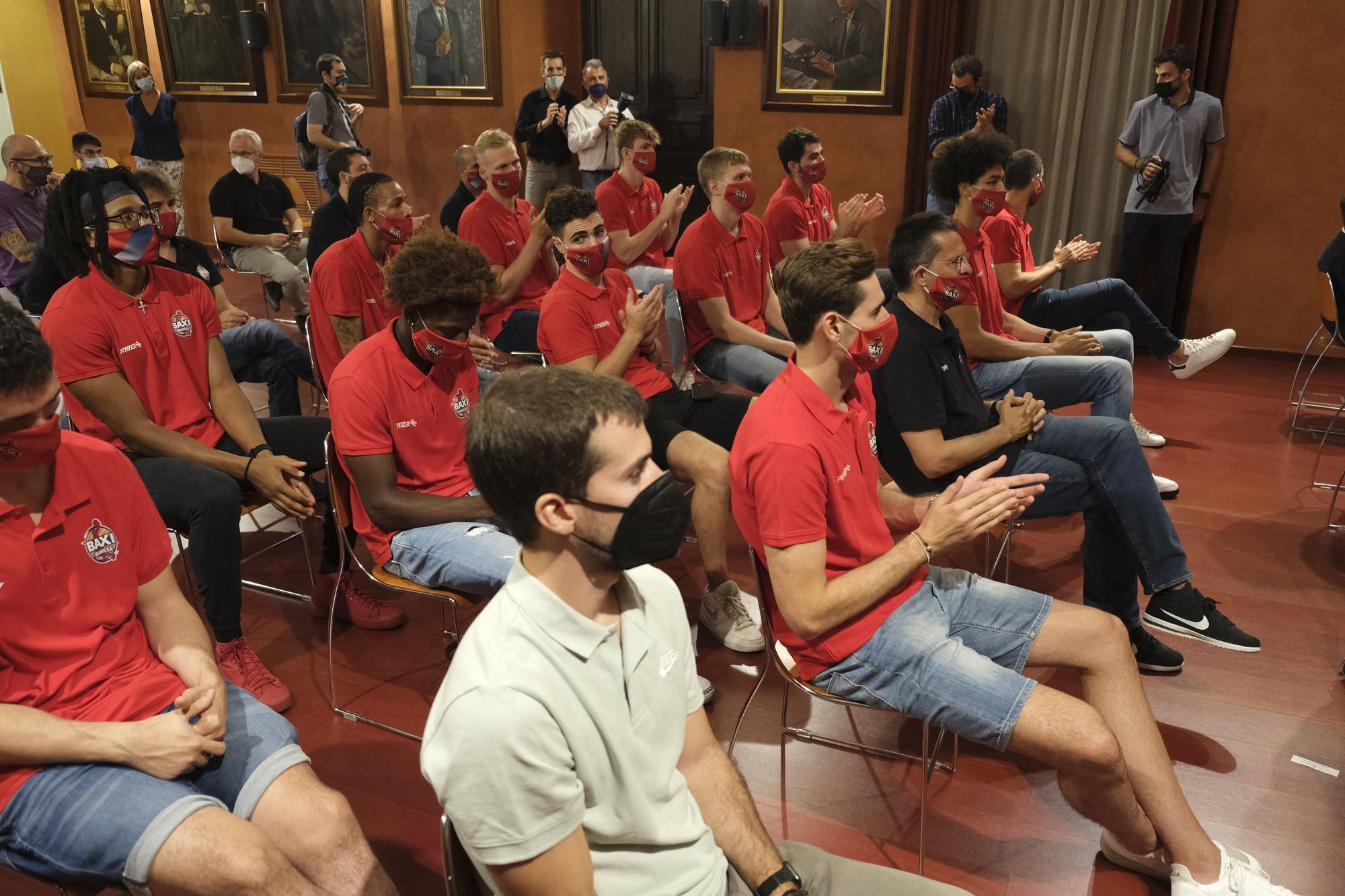 L'Ajuntament rep el Baxi després de guanyar la Lliga Catalana