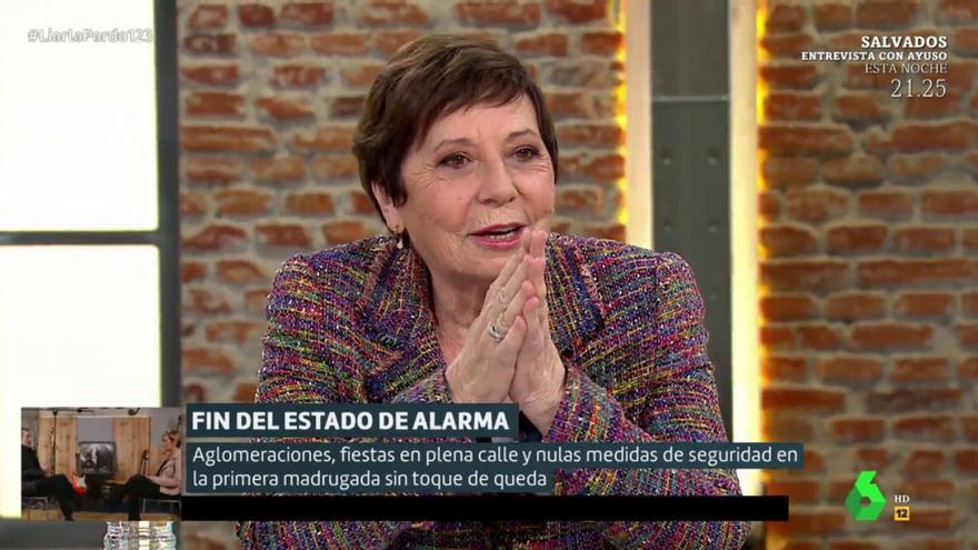 """Celia Villalobos, pillada por culpa de un micro abierto en laSexta: """"¡Esto es una soplapollez!"""""""