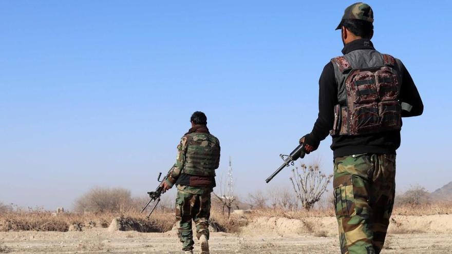 Al menos 14 militares mueren en un atentado con coche bomba en Afganistán