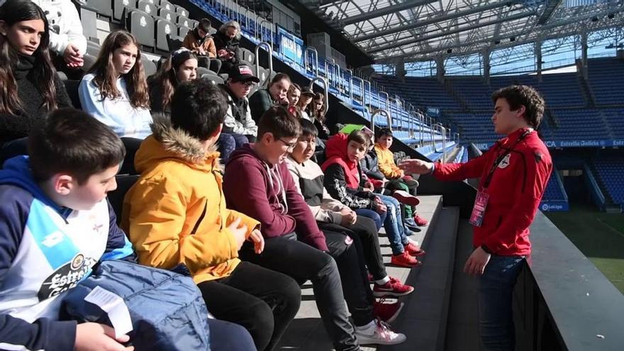 Escolares del CEIP Salgado Torres en 'Valores-Branquiazuis'