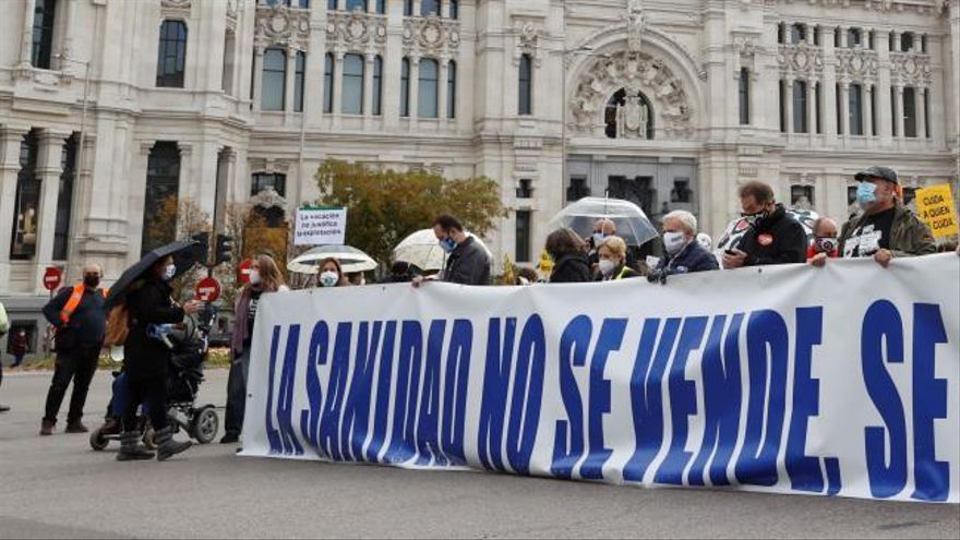Miles de personas salen a la calle en Madrid para reivindicar la Sanidad Pública