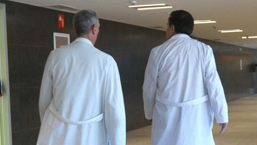 El Sergas pretende contratar en tres años a 80 médicos de familia y 20 pediatras