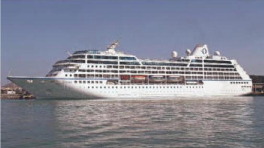 """Luxus-Kreuzfahrtschiff """"Sirena"""" besucht Alcúdia"""