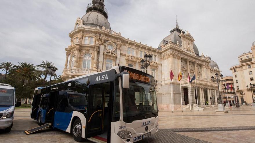 Incluyen la nueva línea oeste en la red de buses urbanos y mejorará si hay demanda