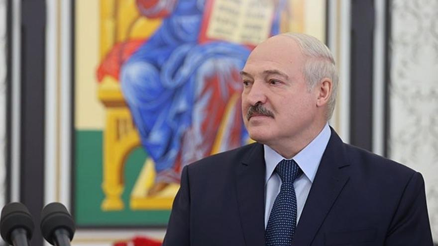 Bielorrusia invita a la UE y a EEUU a investigar el desvío del avión en el que iba el periodista detenido